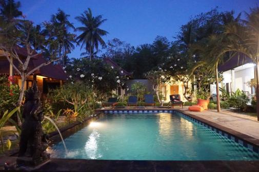 Nyoman swimming pool
